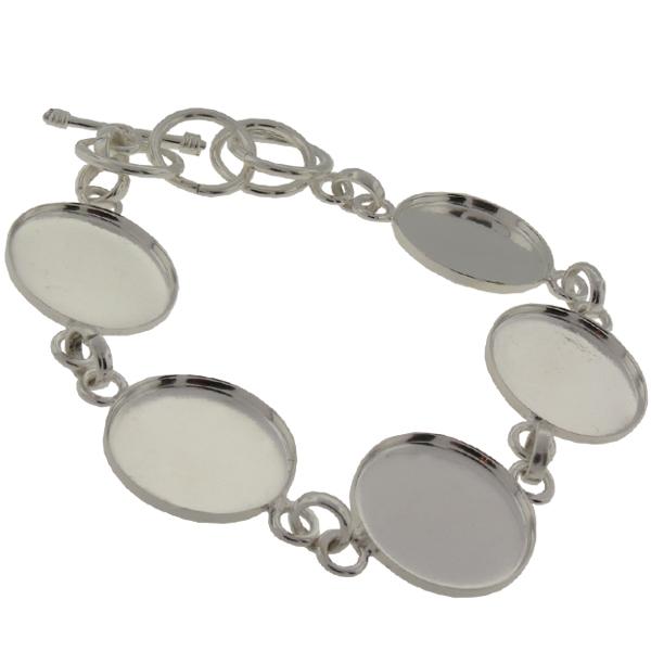 Circle Linked Bracelet in Silver
